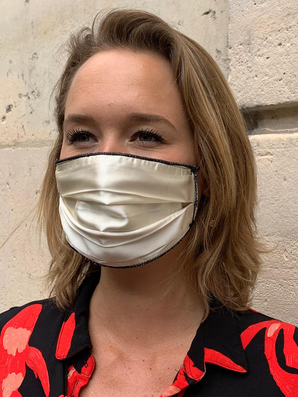 Masque de Protection Recto Noir / Verso Ivoire Gansé Noir